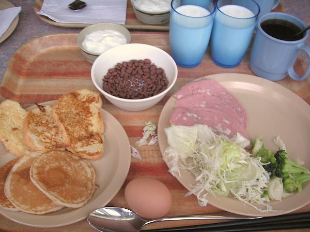 ピースボート朝食1