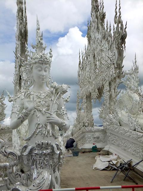 タイ チェンライ ホワイト・テンプル3