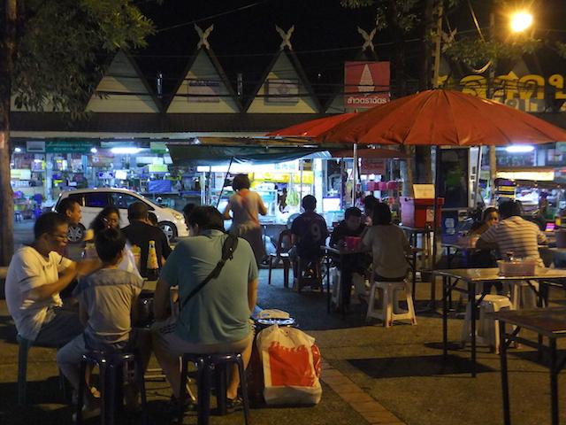タイ チェンマイ 屋台