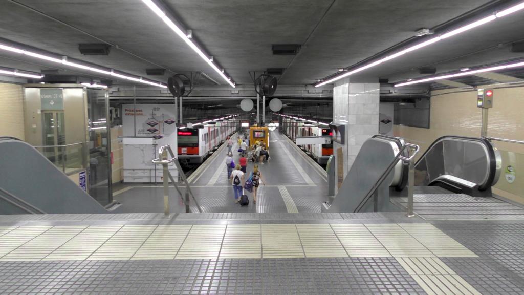 スペイン バルセロナ カタルーニャ鉄道