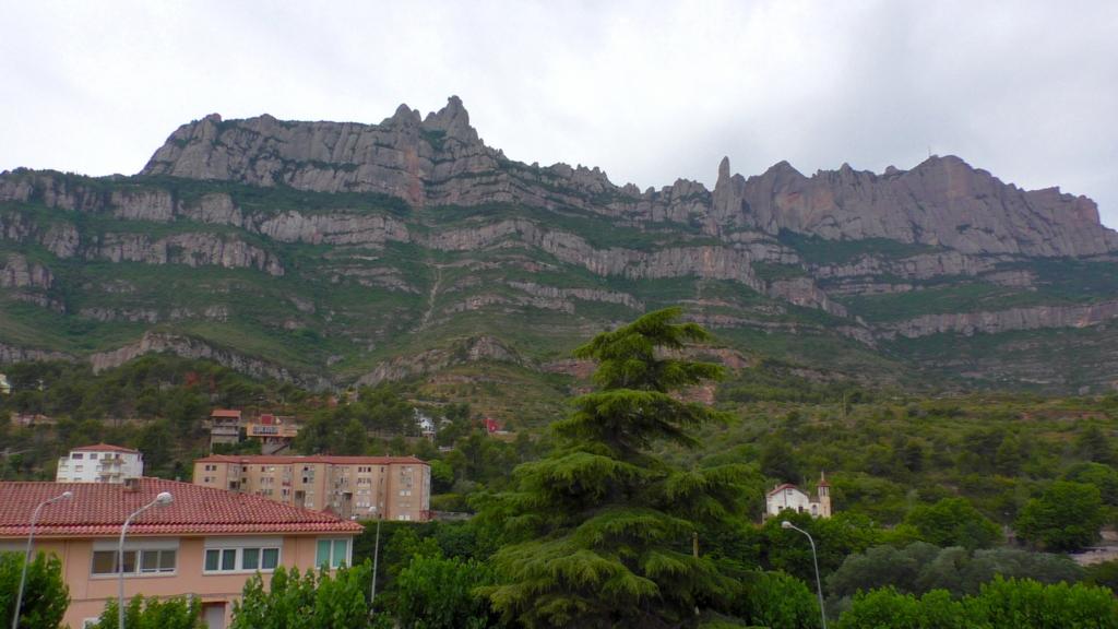 スペイン モンセラット 岩山