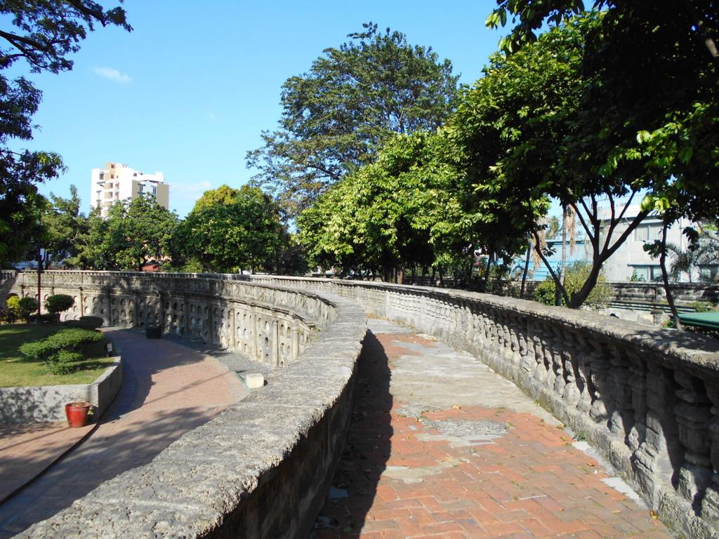 ココナッツパレス & パコ公園!残念だった観光スポット