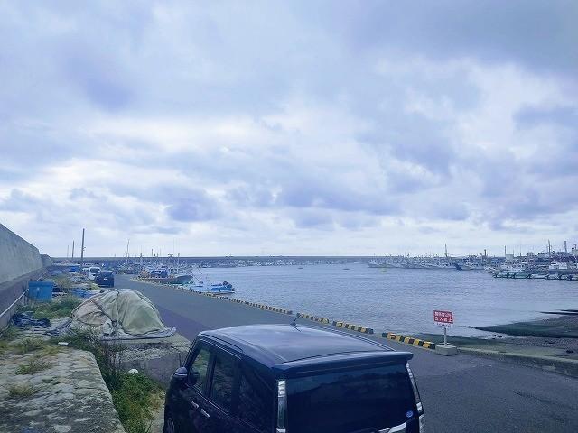 久慈漁港で車がたくさん停められる様子2