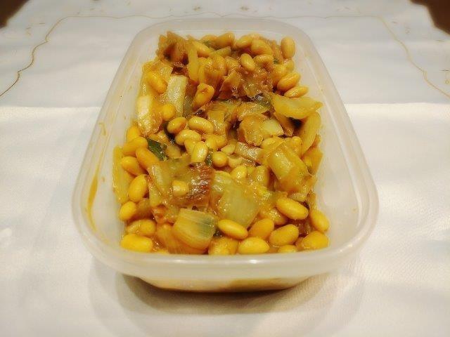 ゆで大豆と白菜のみそ炒め