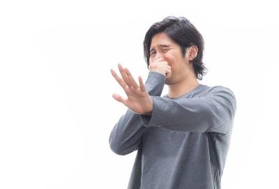 鼻を触る 口を触る