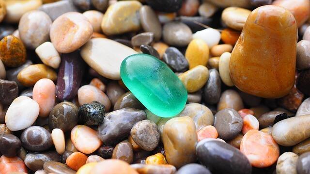 pebbles-1090536_640