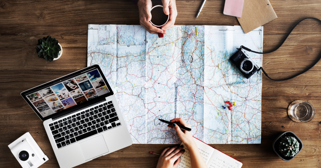 Facebook、旅行業界向けダイナミック広告でリターゲティング以外の幅広いターゲット層へのリーチ、コレクション広告フォーマット利用、オーバーレイ表示などのアップデートを発表