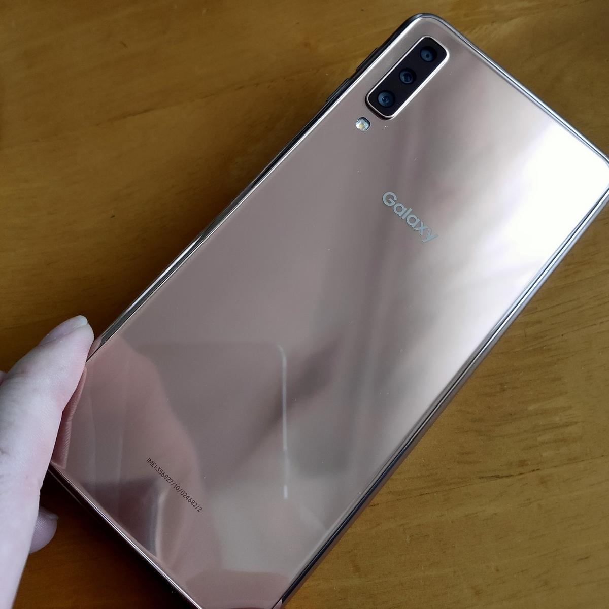 Galaxy A7 楽天UN-LIMIT