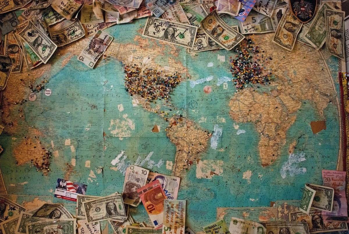 投資対象:全世界株式のアイキャッチ画像
