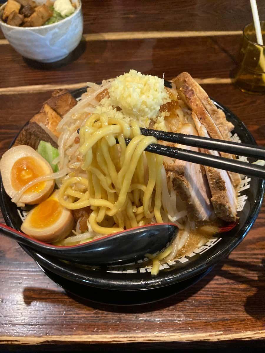 北のラーメン_みそら_味噌次郎_麺1