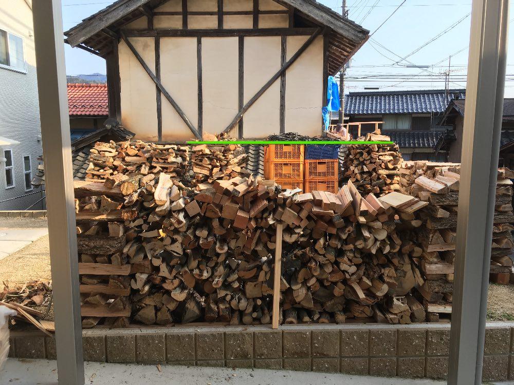 薪割り直後のスイス積み