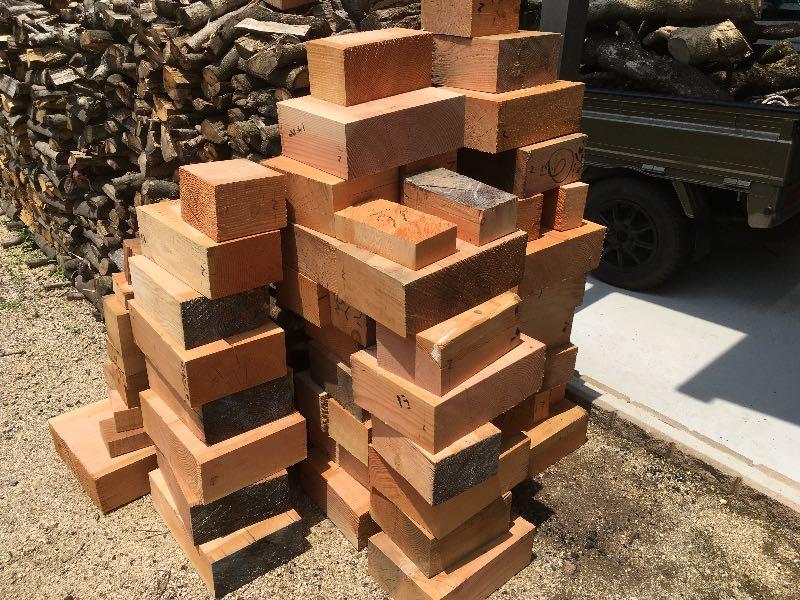 大工さん一人と仲よくなれば薪ストーブユーザーは焚きつけづくりで幸せになれる