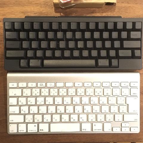 wirelesskeyboardとハッピーハッキングキーボードとの違い上からみた図
