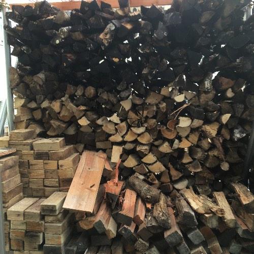 雨ざらし薪を棚にうつして2週間後…