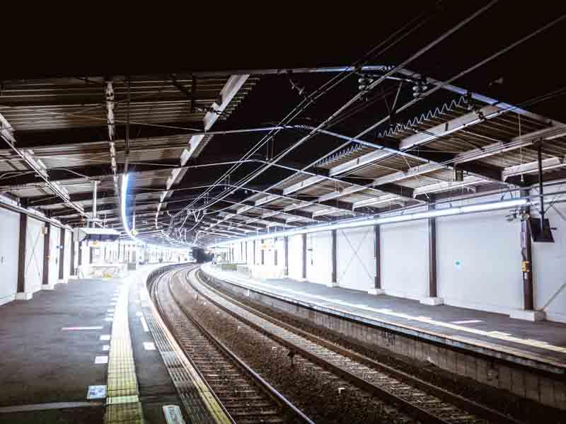 駅ホーム 京王線