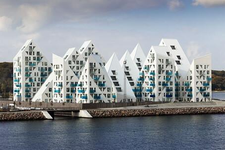 氷山の形をしたマンション