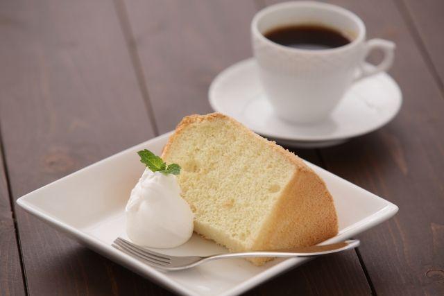 コーヒーとケーキ。