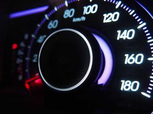 スピードメーター。