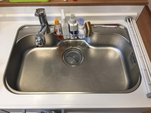 「折りたためる水切り」はシンクの洗いやすさ抜群