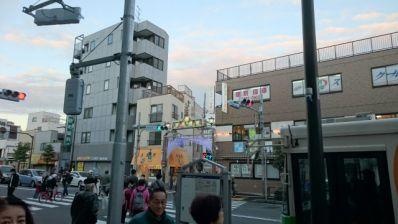 砂町銀座商店街明治通り西口の夕暮れの写真