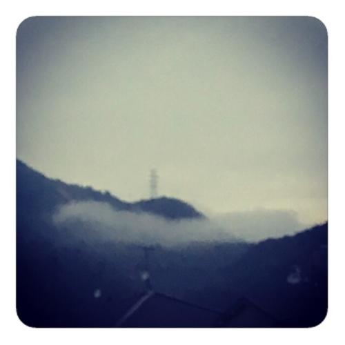 【山と雲】