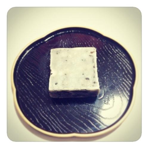 【黒豆きんつば】