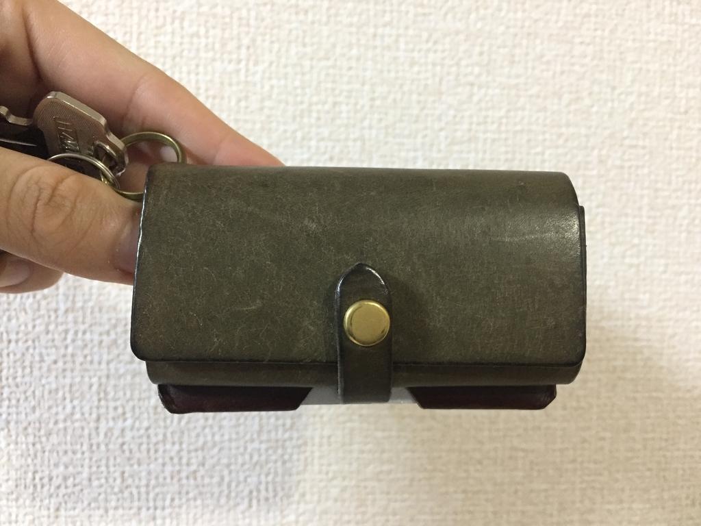2ヵ月分経年変化したSafujiのキー付きミニ財布