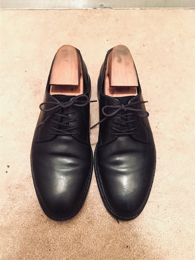 2年履いて経年変化したジャランスリワヤの革靴