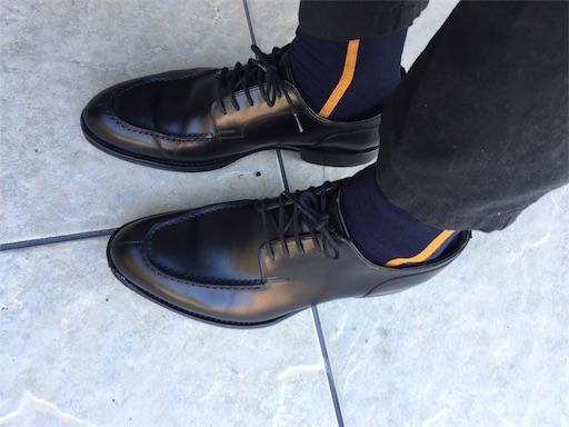 革靴と合わせたシックストックスの靴下