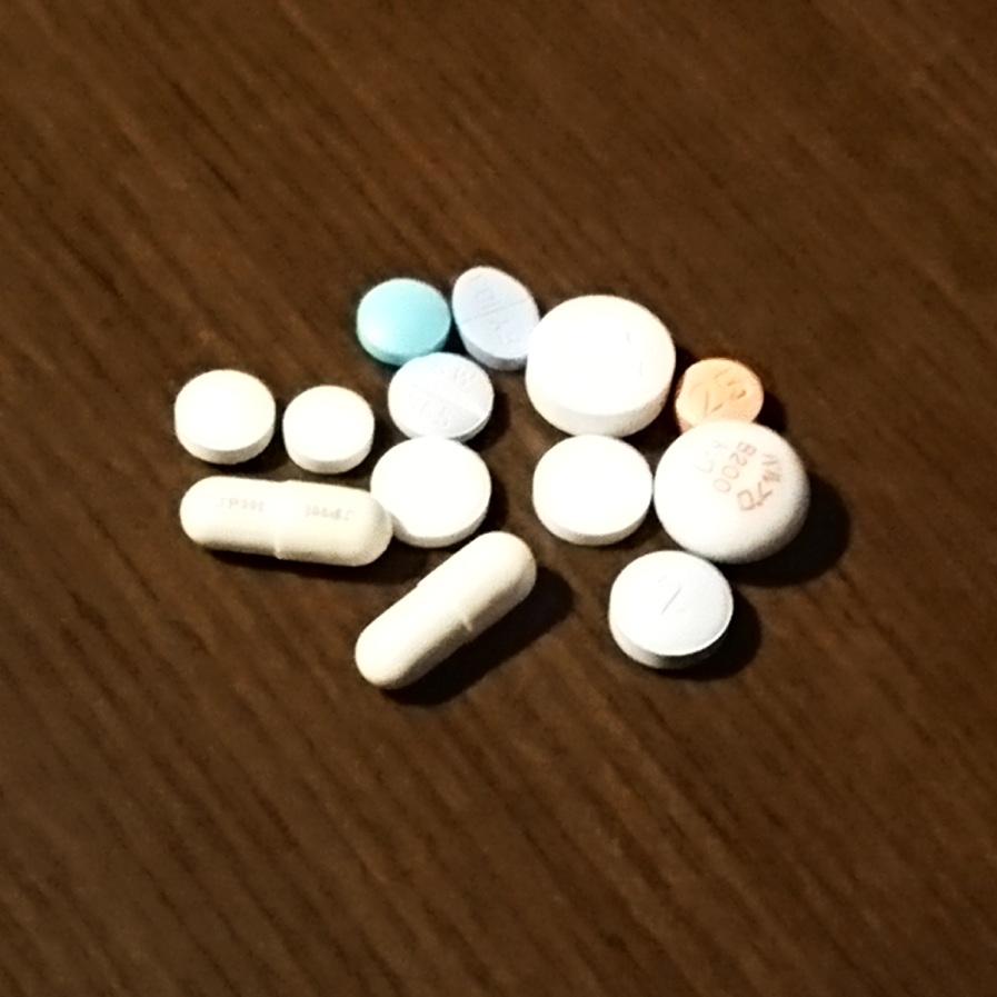 クローン病 薬 ペンタジン ペルタゾン アザニン タケキャブ ロペミン ロキソニン ヒュミラ トリプタノール ハルラック フルニトラゼパム タスモリン バルプロ酸ナトリウム ロラゼパム ランドセン クエチアピン