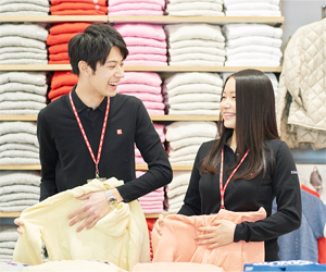 制服がユニクロの服の店舗と、ユニフォームの店舗とどっちがいいの ...