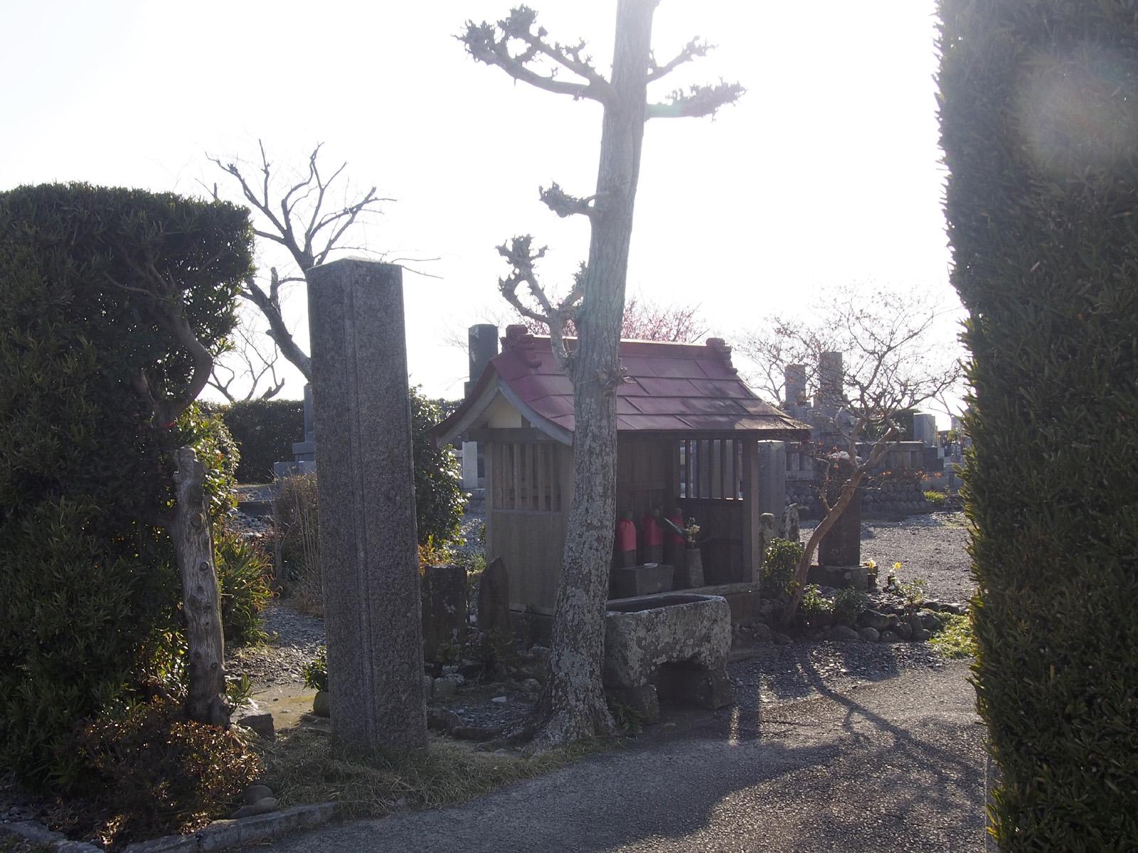 興源寺の紀伊國八郎兵衛