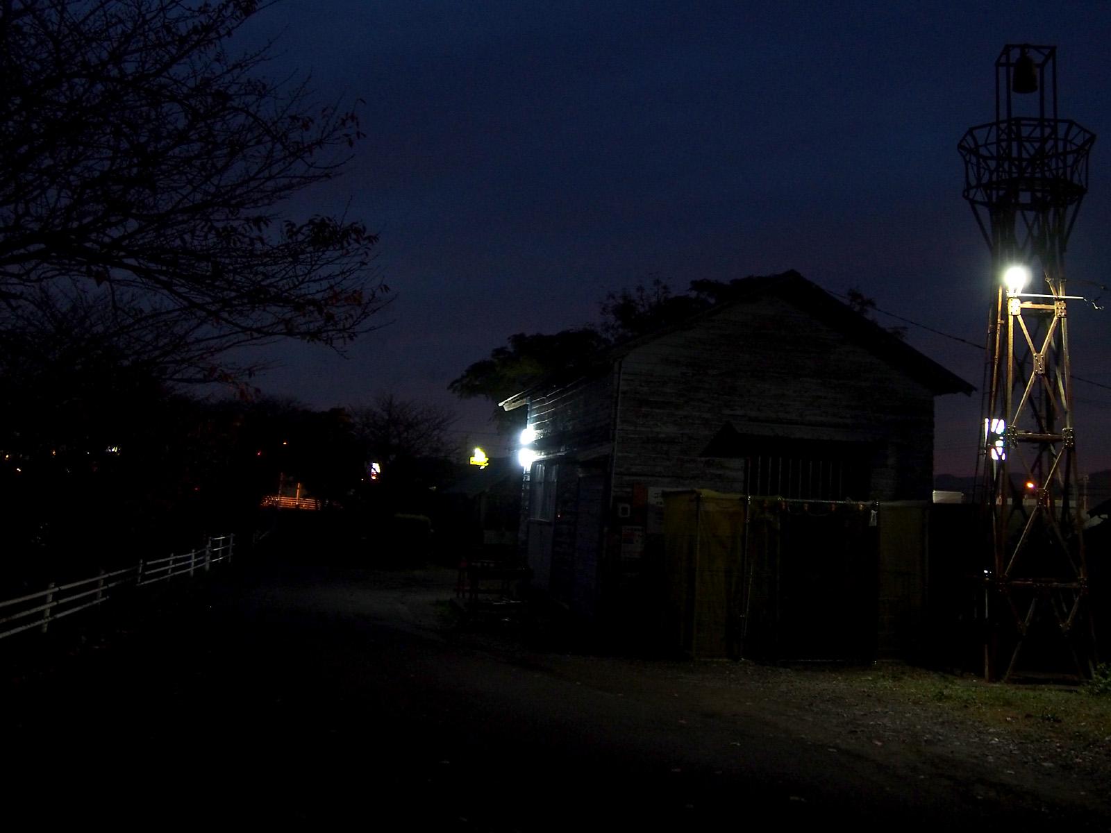八楠の水防倉庫