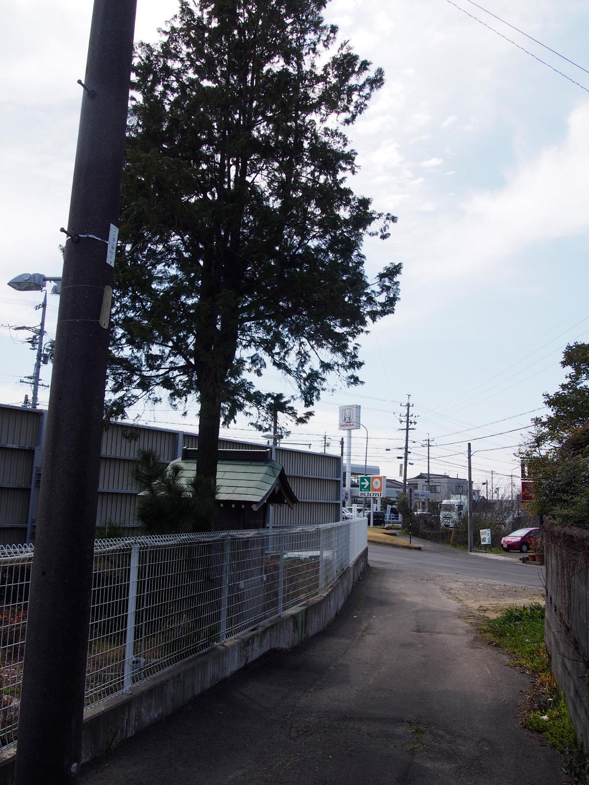 内瀬戸・某自動車販売店の八兵衛碑