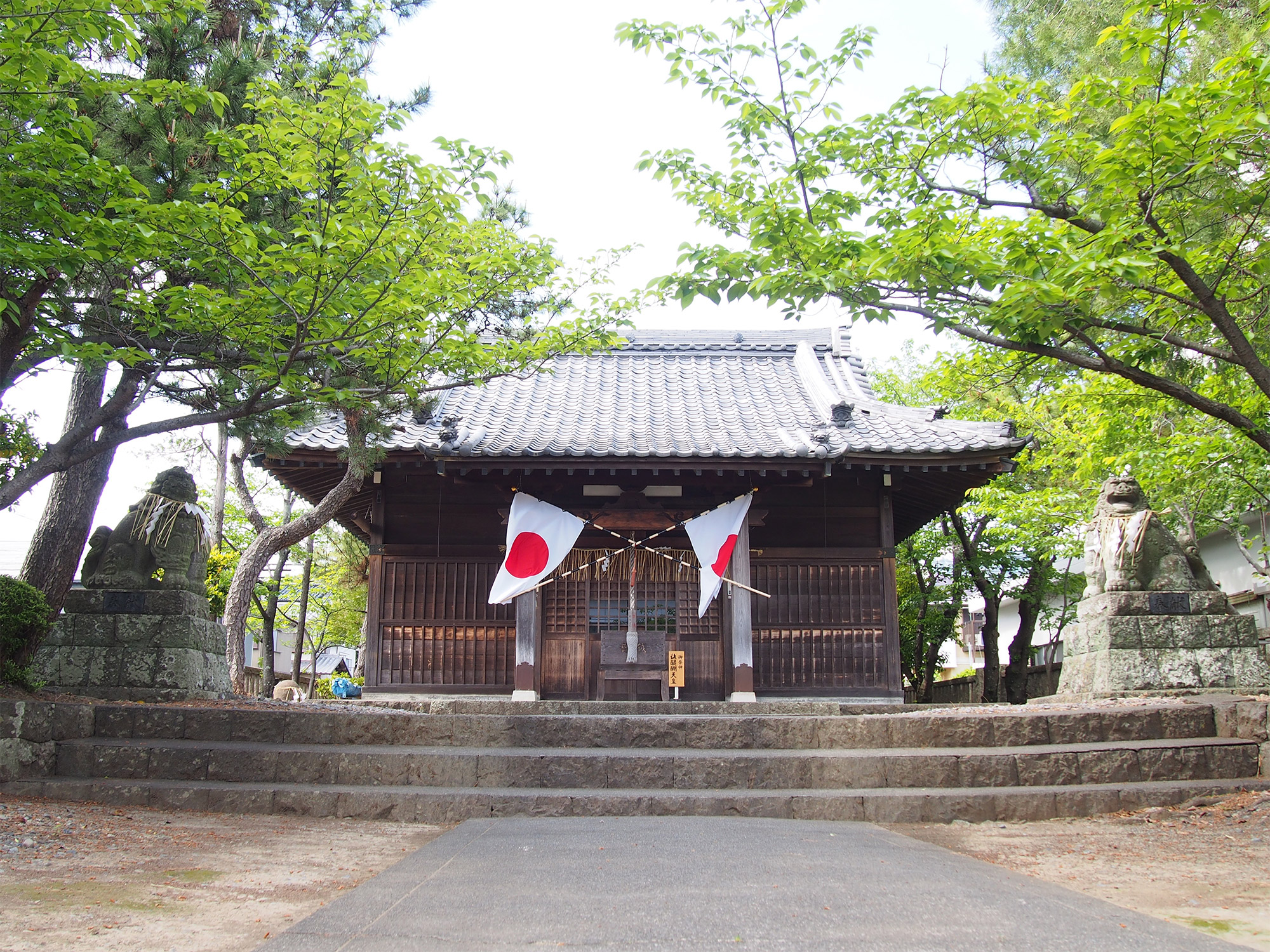 天皇神社拝殿