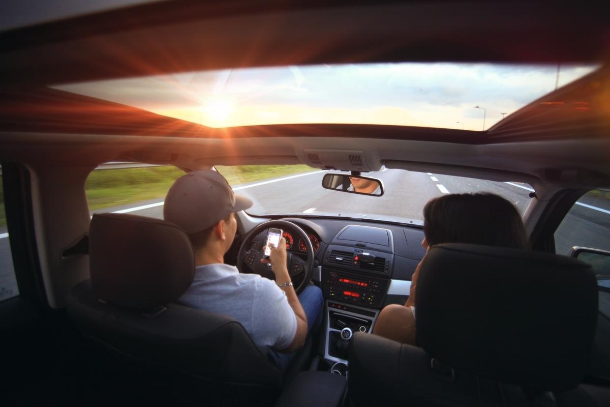 カーシェアとレンタカーの比較