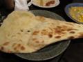 [船橋][インド料理]船橋本町通りのインド料理「チャド」のナン