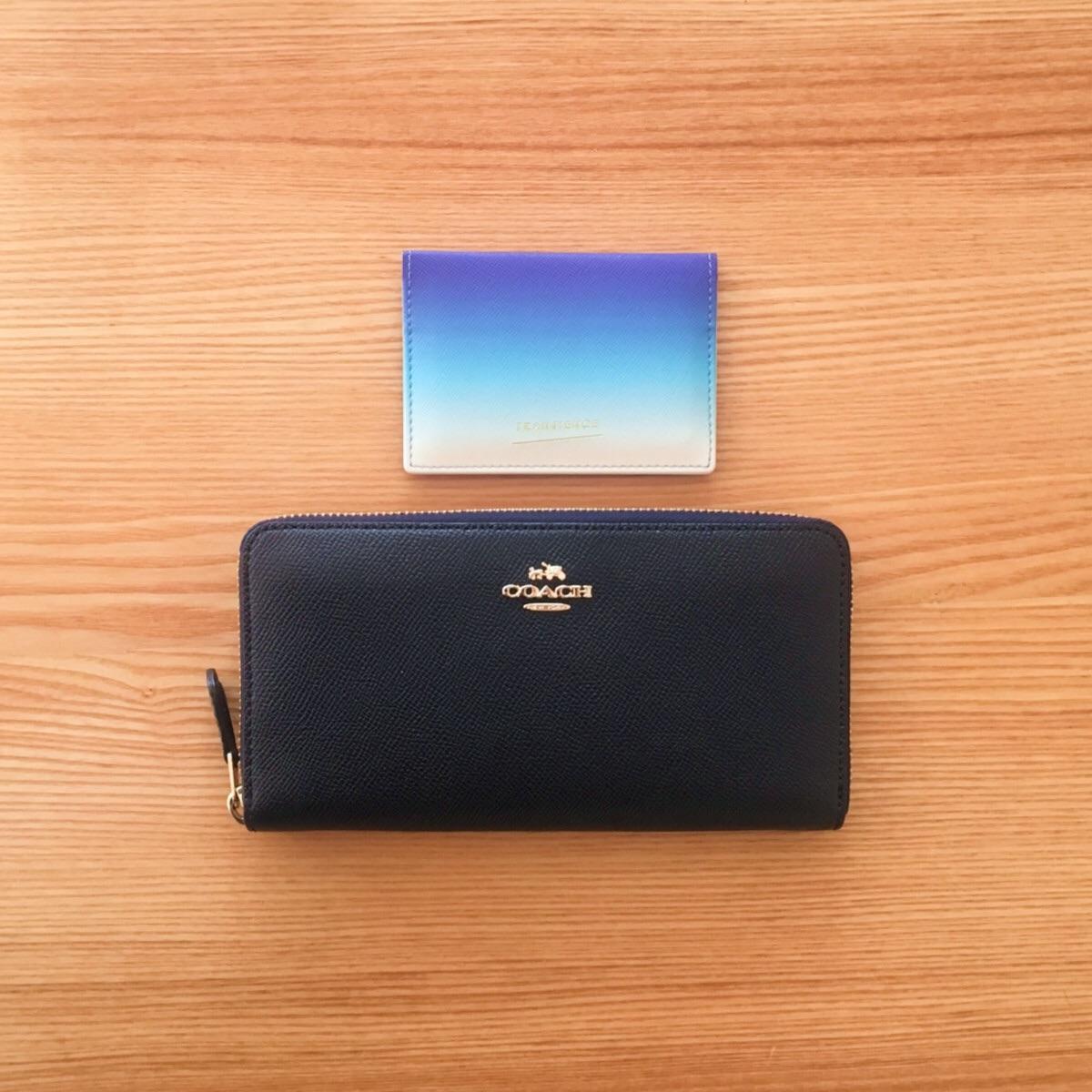 ミニマリストの考える最もミニマルな財布のかたちは、長財布プラスカードケース