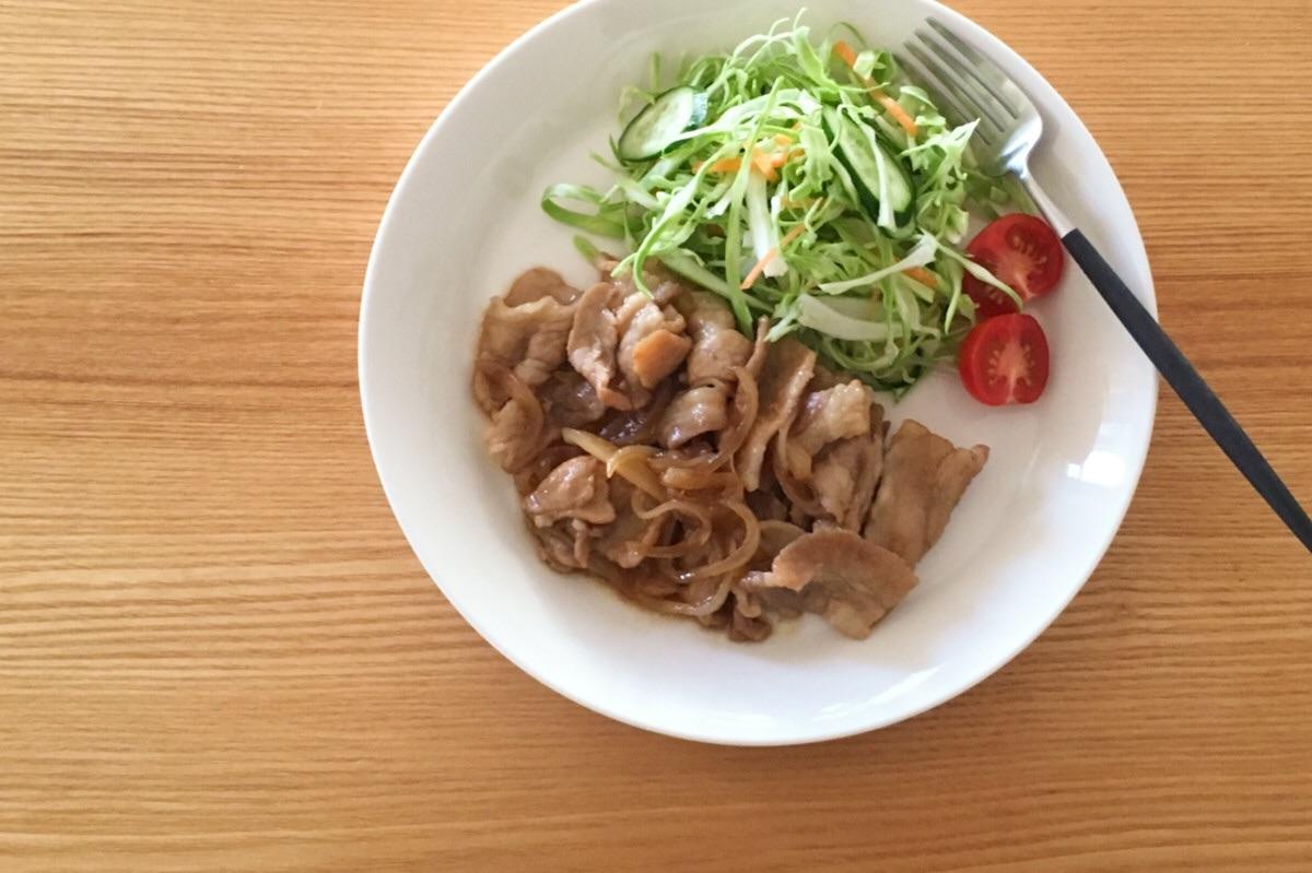 山本ゆりさんのレンジレシピ、豚バラと玉ねぎの甘辛い炒めもの
