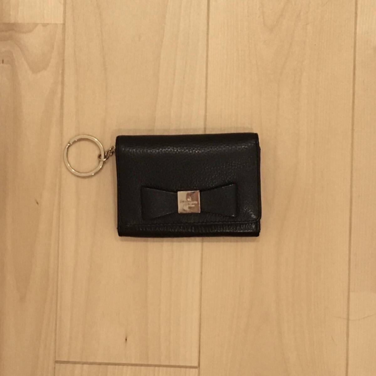 ケイトスペードのキーリングがついた二つ折りコインケース