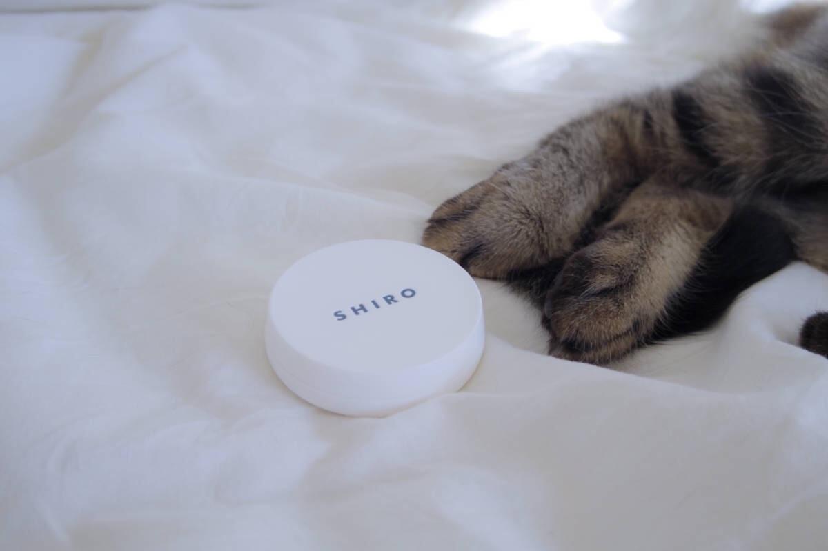 やさしく香るshiroの練り香水と、猫