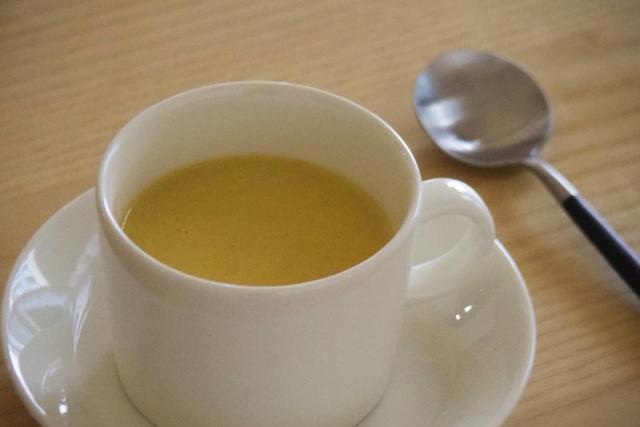 素材がごろっとした、豆乳でつくるフレッシュコーンスープ