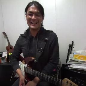 ギターレッスン教室 神戸・大阪 卒業ソングをギター演奏して頂きました!