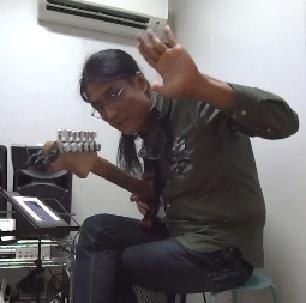 ギターレッスン教室 神戸・大阪 ギター演奏 ギター弾き方