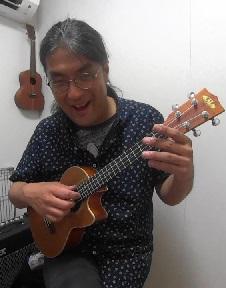 ウクレレ個人レッスン教室 神戸・三宮 イマジン ソロ演奏