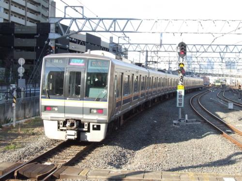 207系 区間快速(桃)西明石行き@放出