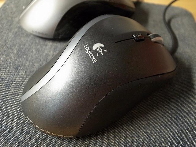 新調したマウス(ロジクールM500)