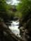 すさまじい轟音を上げる桜川渓谷の図