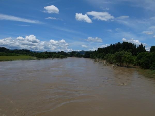 舟戸大橋上から最上川を見るの図