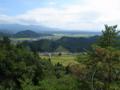 薬師山中腹から国道13号線方面を見たところの図